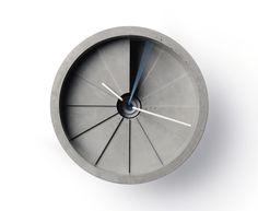 4th Dimension Clock – 22 Design Studio, Taiwan - Dieser Blick über den Tellerrand von wanduhr.de zeigt ohne Zweifel wie modern und angesagt das Design der hier vorgestellten Wanduhren ist und wie interessant und individuell das Thema Wanduhr an sich sein kann.