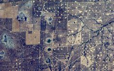 Oilfields near Midland, Texas from the ISS via Astro_Alexander Gerst. Seattle News, Earth Photos, Photo Caption, Space And Astronomy, Earth From Space, Local Events, Land Art, Aerial View, Planet Earth