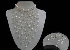 Beyaz renkli el yapımı bayan boncuk kolye modeli