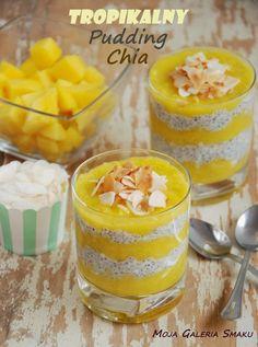 Tropikalny pudding chia z mango, mleczkiem i płatkami kokosowymi Fruit Recipes, Sweet Recipes, Dessert Recipes, Desserts, Healthy Juices, Pie Dessert, Chia Pudding, Healthy Sweets, Healthy Meals
