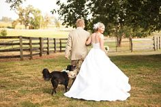 Image from http://www.paach.com/wp-content/uploads/country-theme-weddings.jpg.