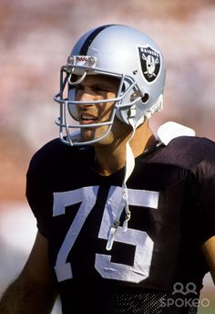 Hall Of Fame Howie Long Los Angeles Raiders Oakland Raiders Silver and Black Raiders Cheerleaders, Nfl Raiders, Oakland Raiders Football, Football Boys, Football Memes, Pittsburgh Steelers, Football Players, Dallas Cowboys, Sports Stars