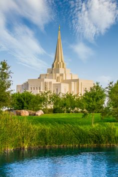 Went out shooting again today and got this great shot of the Gilbert Arizona Temple in Color.