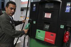 La posibilidad de pagar por litros de gasolina que estén incompletos ya es un riesgo que existe en todo el país. En los últimos cuatro años las autoridades han confirmado irregularidades en estaciones de servicio (gasolinería) de las 32 entidades federativas. En promedio, cada tres días se descubre y