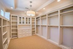 Good closet layout and I like the windows in the walk in closet. -MB