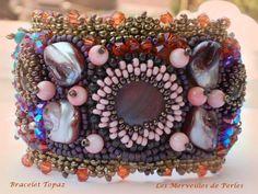 """Ce bracelet """"Topaz"""" est composé de très belles pierres de gemme. Vous pouvez le voir sur :  http://lesmerveillespat.canalblog.com/ http://www.alittlemarket.com/boutique/les_merveilles_de_perles-805099.html"""