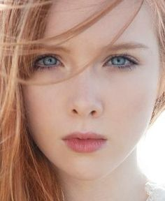 Molly Quinn. Seriously the most beautiful teenager on tv right now in my opinion.