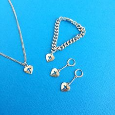 #mixxmix Cross Cut Out Heart Necklace (BWGP) Urban wear can be easily improved with cool accessories like this silver tone necklace. #mxm #hideandseek #has #365basic #bauhaus #99bunny#koreanfashionstyle #girlsfashion #lovelywoman #kstyle #koreangirls #streetfashion #twinlook #dailyoutfit #styling