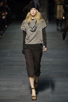 Louis Vuitton Fall 2006 Ready-to-Wear Fashion Show - Coco Rocha