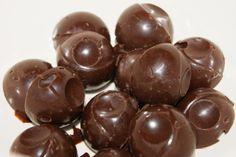Peppermyntekonfekt /peppermint chocolate #candy #3ingredients #chocolate #butter #peppermint_oil #sjokolade #peppermynteolje #smoer #konfekt #easy