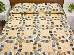 double wedding ring quilt | Double Wedding Ring Quilt -- superb made with care Amish Quilts from ...