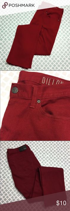 Bullhead Red Skinny Jeans 32x32 Description: BullHead denim red skinny jeans men's size 32x32  🔘Condition: Excellent   🔘Material:99% cotton 1% spandex  🔘Measurements:        Hip to Hip – 16.5 inches       Inseam – 32 inches    ⭐️ 15% Off All Bundles! 🛍    💞Thanks for stopping by! 😘 Inventory: B Bullhead Jeans Skinny