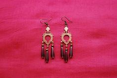 """Boucles d'oreille""""vendanges"""" : estampes métal couleur or rose style art déco perles gouttes en verre violet transparent attaches : Boucles d'oreille par lericheattirail"""