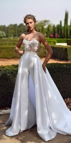 Wedding Dresses Fall 2019: See The New Trends ♥ Fall 2019 Bridal Fashion Week is finally open. Many famous designers showcased their bridal collection. We want to show the best wedding dresses fall 2019. #wedding #bride #weddingdress #weddingforward