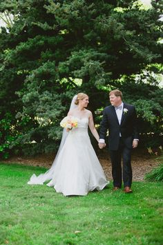 {Navy and Yellow} Connecticut Summer Wedding|Photographer:  Anna Sawin Photography
