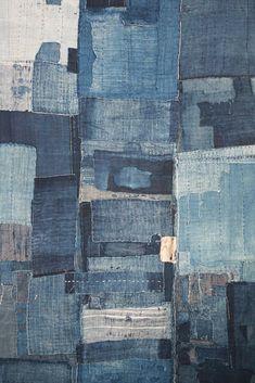 boro futon Antique Japanese Textile: A Heavily Patched Indigo Boro Futon by Orime Textiles.Antique Japanese Textile: A Heavily Patched Indigo Boro Futon by Orime Textiles. Shibori, Denim Kunst, Boro Stitching, Hand Stitching, Denim Art, Denim Decor, Japanese Textiles, Japanese Embroidery, Sashiko Embroidery