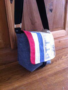 Unique camera bag.  www.floortassen.nl