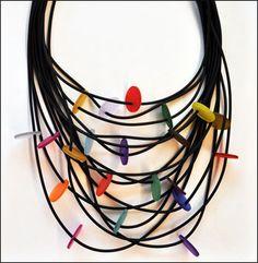 Ketting van Lydia Bremer - rubber met rubber discs.