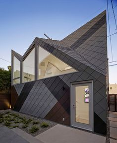 Modal Design creates studio building with jagged roofline in Southern California
