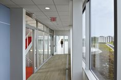 Fermilab Office and Technical Education Building / Ross Barney Architects