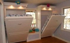 Instead of bunk beds, opt for space-saving murphy beds in a kids' room or guest room. Instead of bunk beds, opt for space-saving murphy beds in a kids' room or guest room. Camas Murphy, Simple House, Home Bedroom, Bedroom Ideas, Bedroom Decor, Bedroom Colors, 3 Kids Bedroom, Sibling Bedroom, Bedroom Furniture