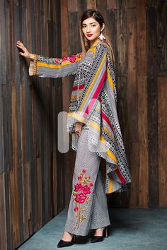 Exclusive Collection of Pakistani Formal, Party, Wedding and Bridal Dresses at Lowest Price from Pakistani Designer Boutique Online. Simple Pakistani Dresses, Pakistani Fashion Casual, Pakistani Dress Design, Pakistani Outfits, Muslim Fashion, Indian Fashion, Abaya Fashion, African Fashion, Women's Fashion Dresses