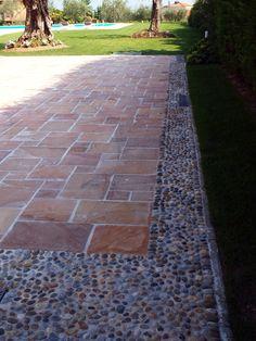 APPIA ANTICA s.r.l• 1 hour ago   #quarzo #floor #pool #natural #garden #stone #pebbles #flooring #italian #madeinitaly #palosco #bergamo #artigianato #handicraft