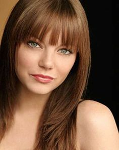 Adorable haircut framing her face with bangs; love the auburn brunette color! Lob With Bangs, Medium Length Hair With Bangs, Long Hair With Bangs, Haircuts With Bangs, Lob Bangs, Thin Bangs, Blunt Bangs, Trendy Hairstyles, Straight Hairstyles