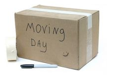 12 Tips for Making Moving Easier for Children (and a bonus tip from a mama!) www.littleheartsbooks.com