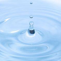 """via Instagram sibeta_canga: """"Wassertropfen festhalten"""" So lautete meine gestrige Experiment. Das Ergebnis kann sich sehen lassen. Happy me ;) #water #ÜberWasser #tropfen #wassertropfen #h2o #madewithnikon #ßetafoto #wasser #blue"""