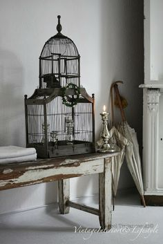 Vintage Decor with Birdcage <3