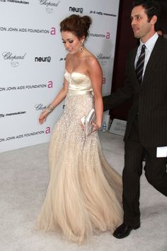 her dress was gorgeous! #glitter #beautiful #stunning