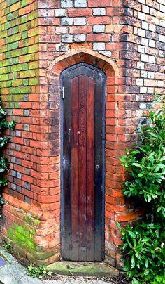Leigh-on-Sea, Essex, England Cool Doors, Unique Doors, Porte Cochere, Entrance Doors, Doorway, Door Knockers, Door Knobs, The Doors Of Perception, When One Door Closes