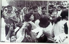 The history of S. Asian feminism is not often discussed in Western media. In the 80s, Pakistani women protested against the Zina Hudood Ordinance, which incriminated any rape victims who were unable to provide 4 male witnesses. They also protested the Qanoon-e-Shahadat Order, which reduced women's testimony to count as half of male testimony. Protests often involved police using batons & tear gas. This photo shows a demonstration from the Punjab Women Lawyers Assoc, 2/12/83-Photo: Rahat Ali…