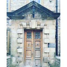We have just nipped into Richmond for a glass of wine, such a pretty town. And if you are ever going to get excited about a door then this might just be the one :heartpulse: