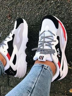 Sneakers and fitness shoes for everyday hustle. - - Sneakers and fitness shoes for everyday hustle. Source by gymwearss Hype Shoes, Women's Shoes, Me Too Shoes, Shoes Men, Tennis Shoes Outfit, In Style Shoes, Tennis Shoes Women, Platform Tennis Shoes, Girls Shoes