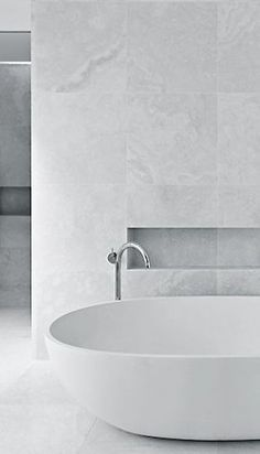 6 Staggering Tricks: Minimalist Home Ideas Architecture minimalist interior white monochrome.Minimalist Decor Bedroom Black White minimalist home architecture minimalism. Bathroom Photos, Small Bathroom, Master Bathroom, Bathroom Ideas, Bathroom Remodeling, Bathroom Faucets, Bathroom Wall Tiles, Teenage Bathroom, Bathroom Niche