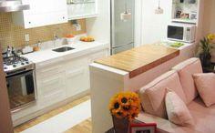 Bancada de cozinha em madeira dá um visual diferente à cozinha, mas deve impermeável