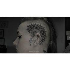 Mandala head for @that_bitch_knows // (dagger & ear tattoos healed) #mandala #mandalatattoo #dotwork #dotworktattoo #headtattoo #blackwork #blackworkerssubmission #blacktattooart #blacktattoomag  #btattooing #darkartists #iblackwork #kurosumiink #dankubinrotary #mtptattoosupplies by wobbz_tattooer
