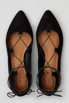 Would love a pair of lace up ballet flats, maybe not in black though. Pretty Shoes, Cute Shoes, Me Too Shoes, Lace Up Ballet Flats, Black Lace Up Flats, Ballerina Flats, Shoe Boots, Shoes Heels, Gladiator Shoes