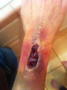 A special effects open wound look, very simple to achieve!