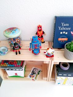 ideas para organizar el escritorio de los niños - Organizar y decorar el escritorio de los niños - Escritorios infantiles | ideas para escritorios | Escritorios infantiles kids | Desk inspiration | escritorios IKEA | Escritorio Micke | Kids rooms | Desk organisation