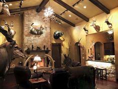 Hunting Trophy Shop, Trophy Display, Man Cave Guns, Man Cave Bar, Deer Hunting Decor, Four Seasons Room, Gun Rooms, Trophy Rooms, Hunting Man Caves