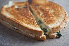 Spinach and Artichoke Grilled Cheese ~ http://www.healthy-delicious.com