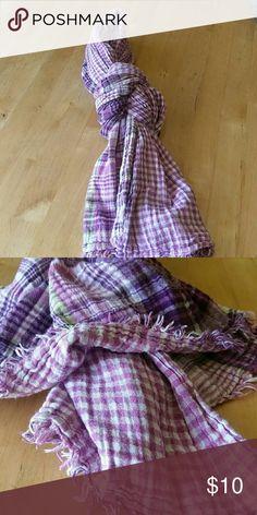 Cute purple gingham and plaid purple scarf Super cute! Accessories Scarves & Wraps