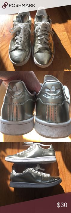 Gold Adidas Stan Smith Gold metal Adidas Stan Smith is a classic with a modern twist. Goes great with any outfit and perfect addition to funk it up! Small scratch on left front, tried to catch it via photo adidas Shoes Sneakers
