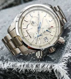 Three Pieces Of Advice I Would Give My Novice Watch Collector Self Featured Articles Mens Watches Under 200, G Shock Watches Mens, Automatic Watches For Men, Cool Watches, Spring Watch, Bracelet Cuir, Seiko Watches, Beautiful Watches, Luxury Watches