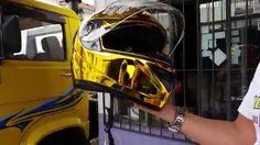 capacete dourado - Pesquisa Google