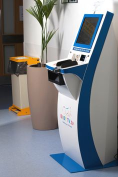 Meeting your individual requirements for Integrated Digital Solutions & Kiosk Manufacture, from self-service kiosks to interactive touchscreen technology. Digital Kiosk, Digital Signage, Kiosk Design, Display Design, Ikea Hanging Chair, Cheap Desk Chairs, Yellow Desk, Retail Technology, Machine Design