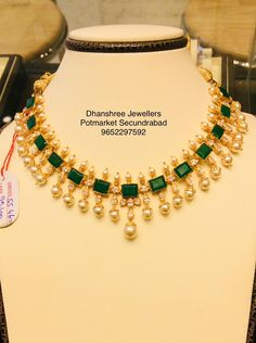 Exclusive Precious Exclusive Precious Emerald Set with a classic look . Beautiful gold necklace studded with emeralds. Necklace with pearl hangings. Gold Earrings Designs, Gold Jewellery Design, Emerald Jewelry, Gold Jewelry, Pearl Jewelry, Light Weight Gold Jewellery, Gold Ruby Necklace, Bridal Jewellery Inspiration, Antique Necklace